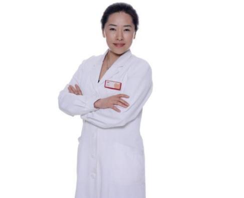 她用一颗平凡医者心获得了不平凡的肯定